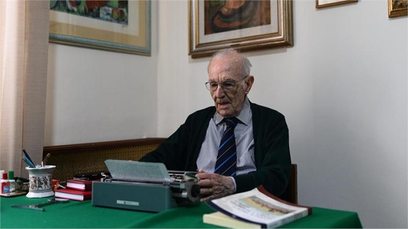 Cụ ông 96 tuổi ở Italy vừa tốt nghiệp đại học loại xuất sắc