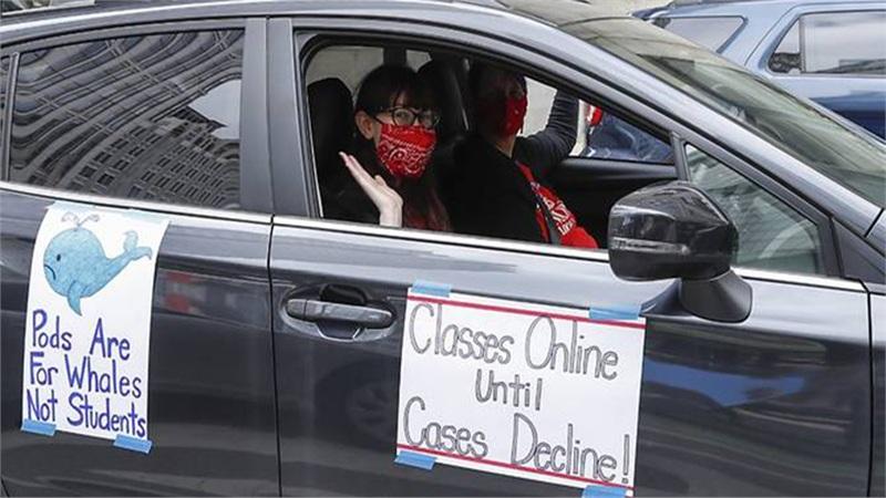 Giáo viên Mỹ biểu tình phản đối mở cửa trường học