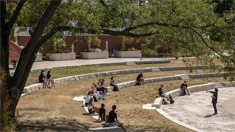 Nhiều trường đại học trở thành ổ dịch mới tại Mỹ
