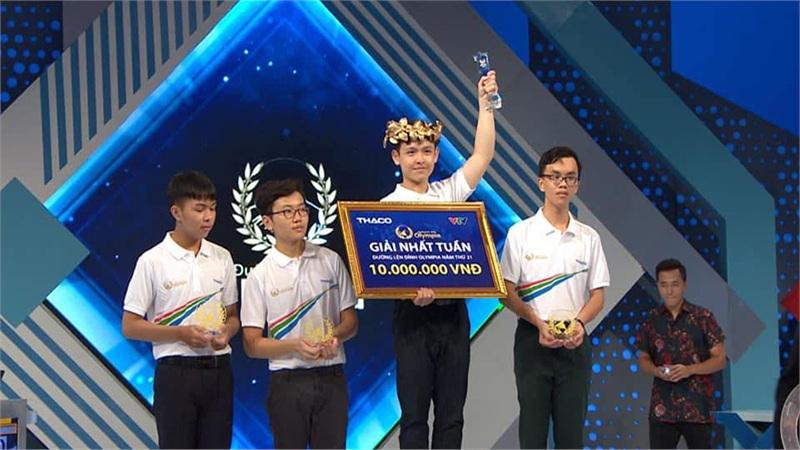 Nam sinh Ninh Bình giành Vòng Nguyệt quế tuần Olympia gây sốt vì ngoại hình điển trai, dễ mến như 'cậu bạn bàn bên'