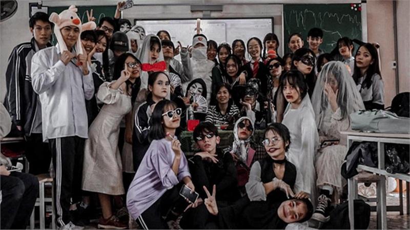 Khi thầy cô cũng hòa mình vào Halloween cùng học sinh: cực kỳ sáng tạo và không kém phần 'lầy lội'