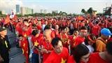 Khoảnh khắc đẹp, văn minh của CĐV Việt: Hàng chục nghìn người trật tự xếp hàng vào sân Mỹ Đình