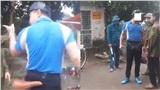 Người đàn ông văng tục, doạ đánh lực lượng dân quân khi bị yêu cầu đeo khẩu trang