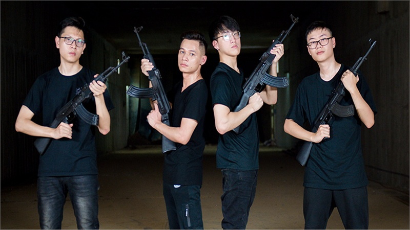 Xạ thủ đua tài tập 1: Độ Mixi, Thuận Snake, Linh Nhím, Bomman làm quen với súng tiểu liên AK, học cách bắn trúng các loại mục tiêu