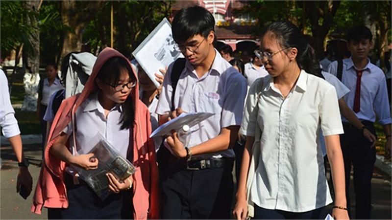 Huế: Thí sinh phải đeo khẩu trang, phụ huynh thực hiện nghiêm giãn cách xã hội tại kỳ thi THPT năm 2020