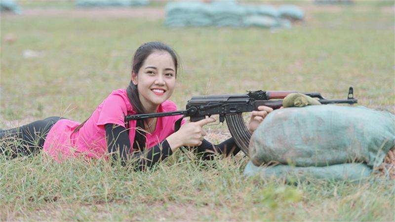 Bắn trúng robot thay vì mục tiêu, diễn viên Châu Sa 'lập kỷ lục' chưa từng có tiền lệ trong 'Xạ thủ đua tài'