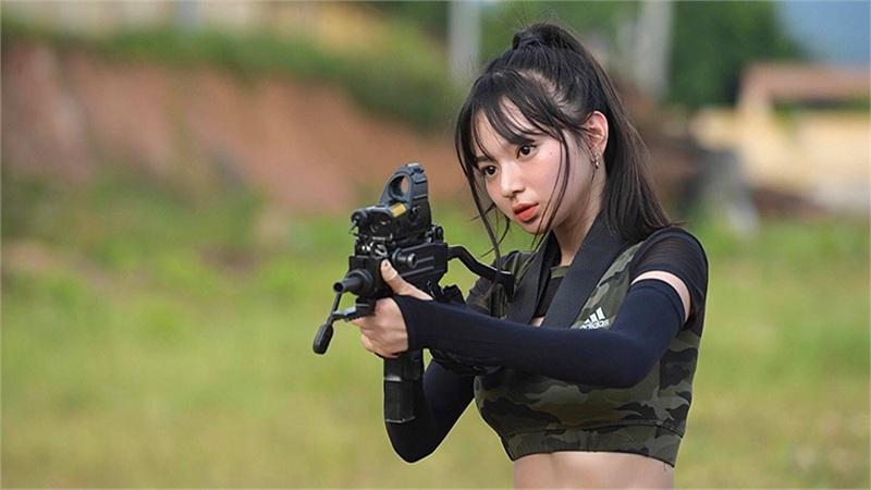 Người mẫu ảnh Kim Chi: Bông hồng tài năng, quyến rũ của 'Xạ thủ đua tài' tập cuối