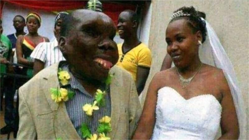 'Người đàn ông xấu xí nhất thế giới' gây bất ngờ khi công khai cưới vợ lần 3
