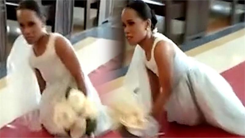 Cô dâu không chân tự tiến vào lễ đường vì muốn trải nghiệm cảm giác bước về phía người yêu