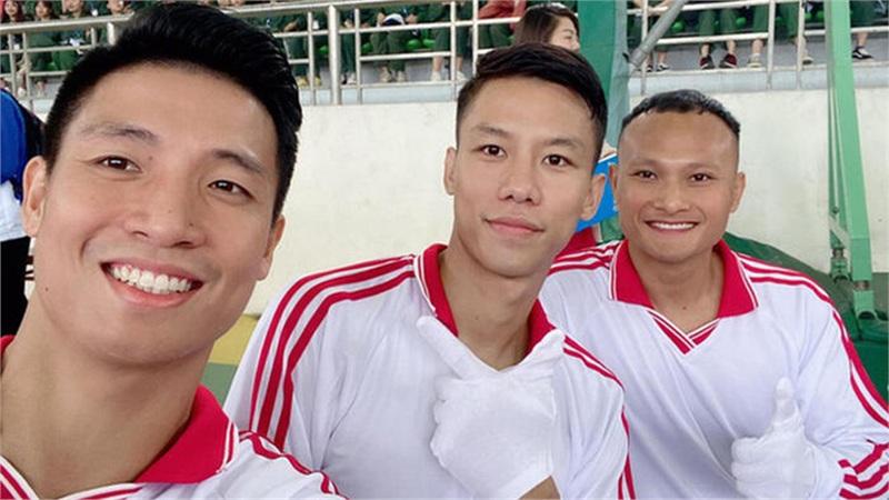 ĐH Sư phạm Thể dục Thể thao Hà Nội chào đón 3 tân sinh viên 'đặc biệt' trong buổi lễ khai giảng