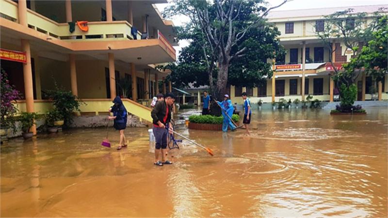 Chỉ cho học sinh trở lại lớp học khi đã bảo đảm an toàn sau bão số 7