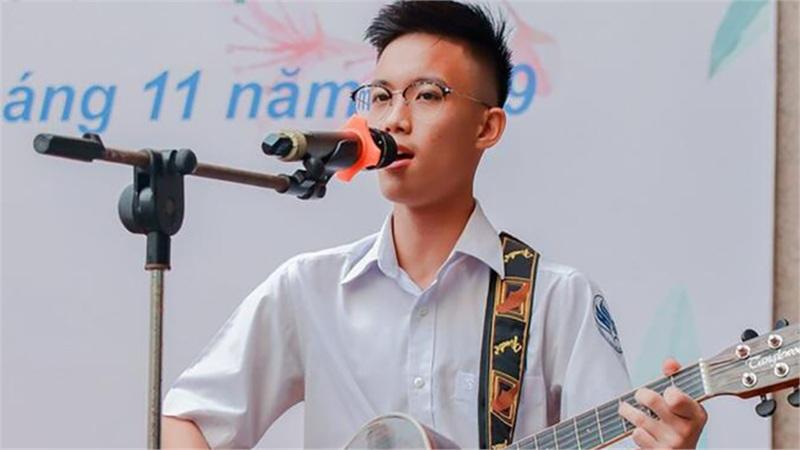 Xúc động ca khúc do nam sinh lớp 12 sáng tác dành tặng 13 chiến sỹ hy sinh tại Rào Trăng 3