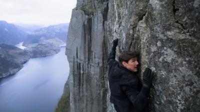 Sự thật phía sau những cảnh hành động đặc sắc của Tom Cruise trong 'Nhiệm vụ bất khả thi'