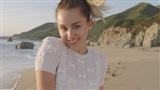 Cuối tháng 11 này, bạn có một cái hẹn với cô nàng lắm chiêu Miley Cyrus!