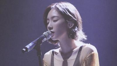 Khoe đi hát karaoke nhưng fan cứ tưởng Taeyeon đang biểu diễn ở concert nào!