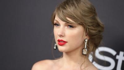 Sợ bị lép vế trước đàn em đang lên, Taylor Swift từ chối diễn mở màn cho Grammy