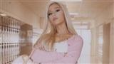 Ariana Grande văng tục làm rộ lên nghi vấn đá đểu Cardi B khi giật giải Grammy, bênh vực tình cũ