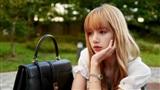 Lỡ hẹn với Paris Fashion Week một cách đáng tiếc, phải chăng YG đang tìm cách 'dìm' Lisa bằng được?