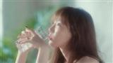 MV 'Four Seasons': Ra đây mà xem Taeyeon 'cưa sừng làm nghé' xuất sắc như thế nào!