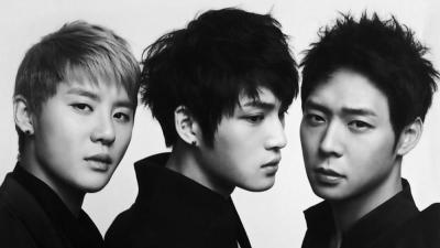 Trong lúc Yoochun lao đao vì bê bối ma túy, hai mẩu còn lại của JYJ đang ở đâu?