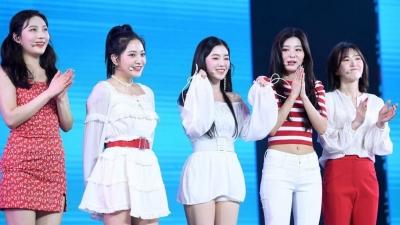 Quá 'cưng' fan Việt, Red Velvet quyết tâm mở luôn concert solo tại Việt Nam?
