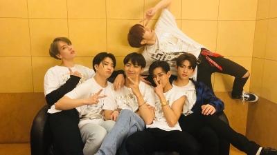 GOT7 khiến fan xót xa khi tự nhận các ca khúc của mình chưa xứng đáng được cover trên Produce X 101