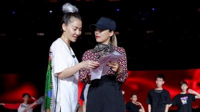 Thu Minh miệt mài tập luyện đến nửa đêm, chuẩn bị cho showcase hoành tráng nhất sự nghiệp