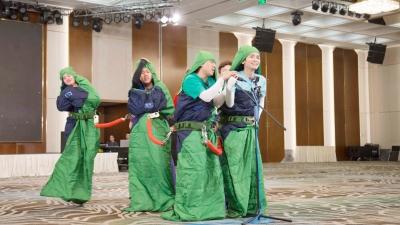 Không chỉ có vũ đoàn đuông dừa, Chạy Đi Chờ Chi xuất hiện thêm nhóm hát con lăng quăng