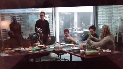 Phân cảnh chưa hé lộ của 'Endgame': Cả team Avengers bị chồn 'cười vào mặt' vì lý do 'vớ vẩn' này