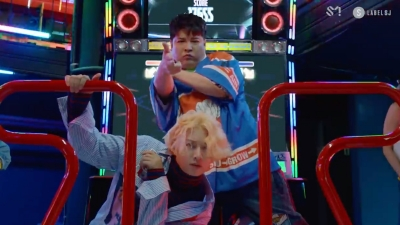Sau 3 ngày trì hoãn, MV comeback của Super Junior ra mắt: Nhí nhố thế này, ai đoán được nhóm đã U40