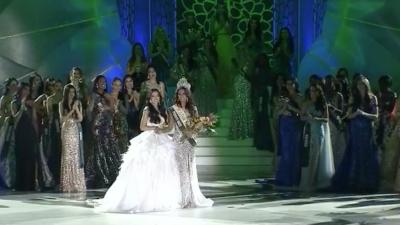 Phương Khánh 'chặt đẹp' Tân Hoa hậu Trái đất 2019 khi đứng chung khung hình nhờ 'vũ khí đặc biệt'