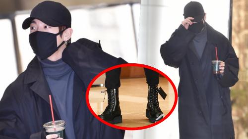 Khiến fan phát điên vì style sân bay 'đen xì' cực chất nhưng Jungkook (BTS) lại quên... tháo mác giày