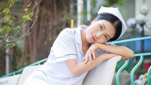 Đóng vai y tá liên tục trong 3 phim, Thùy Dương được khán giả đặt cho biệt danh 'y tá quốc dân'