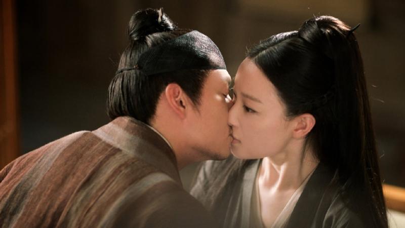 Muôn vàn kiểu hôn khiến khán giả 'trụy tim' của Trương Chấn và Nghê Ni trong 'Thần Tịch Duyên'