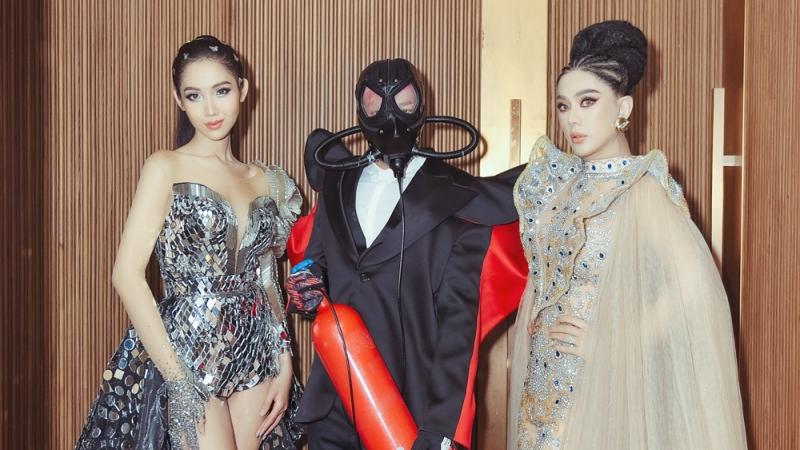 Nhật Hà, Lâm Khánh Chi hoang mang khi nhìn thấy 'nhân vật lạ mặt' đeo mặt nạ, ôm bình khí trên thảm đỏ