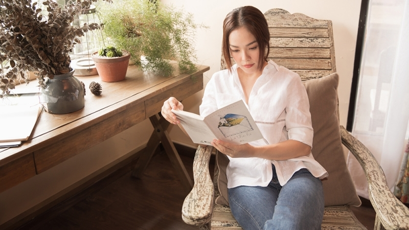Dương Cẩm Lynh: Mặc dù là 'nô lệ' công nghệ nhưng sách lại là 'thực đơn' yêu thích của tôi