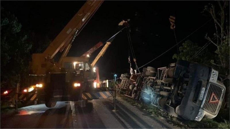 Bắt tài xế xe container gây tai nạn kinh hoàng, đè chết 3 người trong xe Limousine