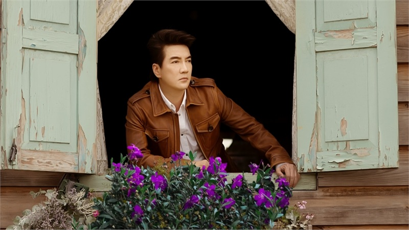 Leo dốc, trèo lên mái nhà chụp hình, Đàm Vĩnh Hưng vô tình tiết lộ luôn dự án âm nhạc mới