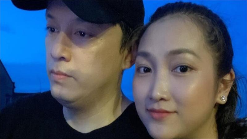 'Hack tuổi' cực đỉnh, Lam Trường bị bà xã trêu đã trẻ ngang ngửa vợ