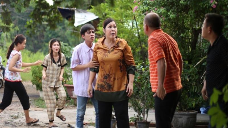 'Đại Kê chạy đi' 2: Bị chồng chê là 'gái lỡ thời', mẹ con Hồng Vân quyết dứt áo ra đi
