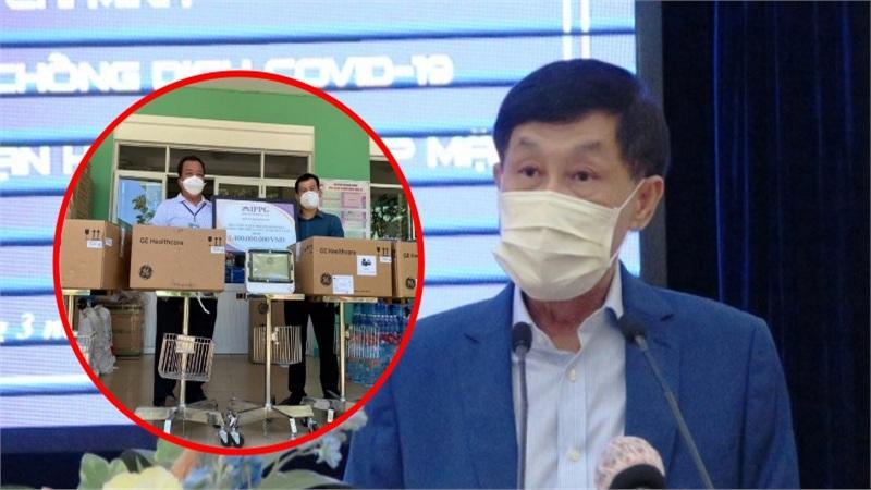 'Vua hàng hiệu' Johnathan Hạnh Nguyễn tặng 10 máy theodõi bệnh nhân trị giá 1,4 tỷ cho Đà Nẵng