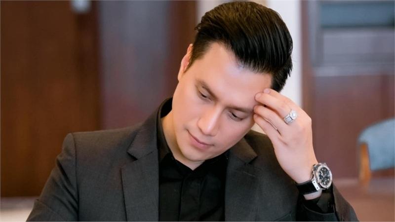 Việt Anh đăng status ẩn ý: 'Còn mặn nồng thì lời vàng ngọc yêu thương, khi dừng lại thì sẵn sàng phang nhau'