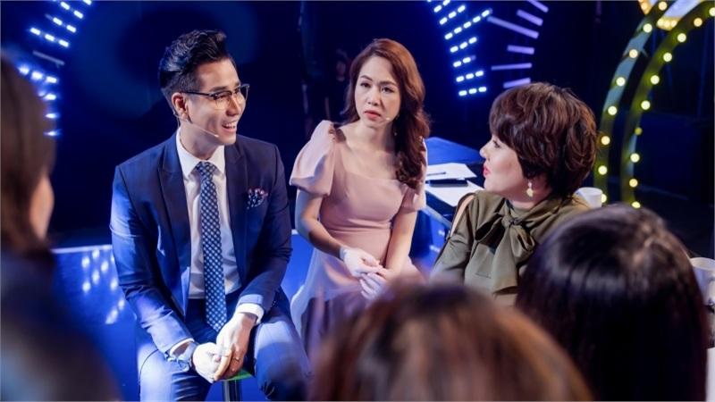 Pha trò trên sóng livestream, BTV Diễm Quỳnh trêu chọc Nguyên Khang: 'Giờ tôi bán hay ông bán?'