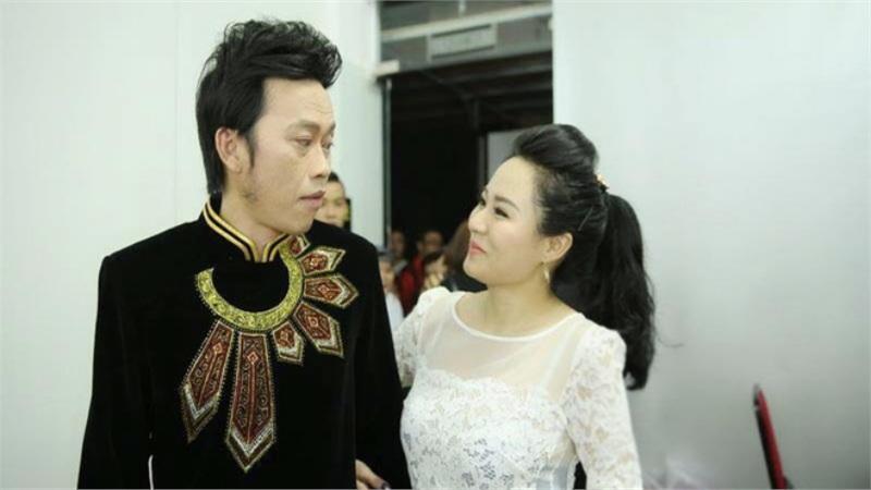 Nữ ca sĩ vừa hát 1 bài đã khiến Hoài Linh nhận làm con nuôi nóng bỏng đến đâu?