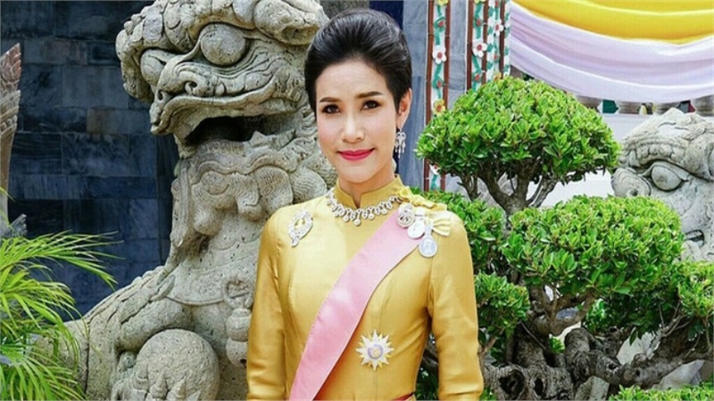 Vua Thái Lan phục vị cho Hoàng quý phi sau gần 1 năm phế truất