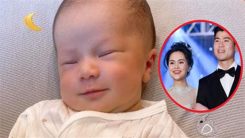 'Công chúa béo' Quỳnh Anh đã hạ sinh, bé trai kháu khỉnh, thần thái đúng chuẩn 'tiểu hoàng tử'