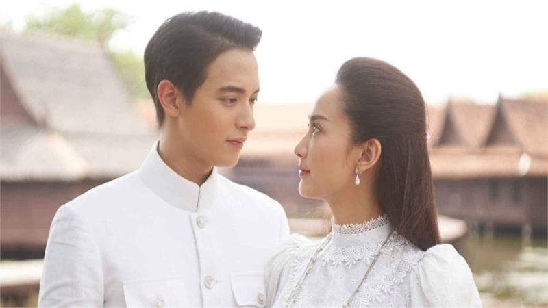 Cặp đôi tài sắcJames Jirayu -Taew Natapohn tái hợp trong 'Chiêu trò nguyên thủy'