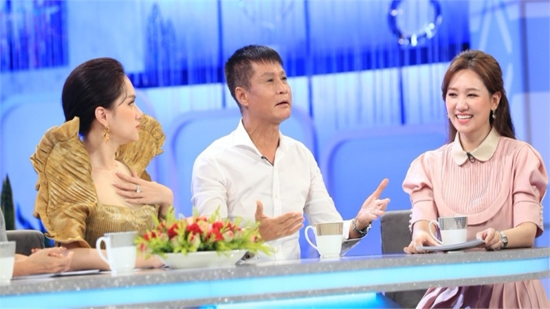 Đạo diễn Lê Hoàng yêu cầu coi 'nội trợ' là một nghề và cần được trả lương