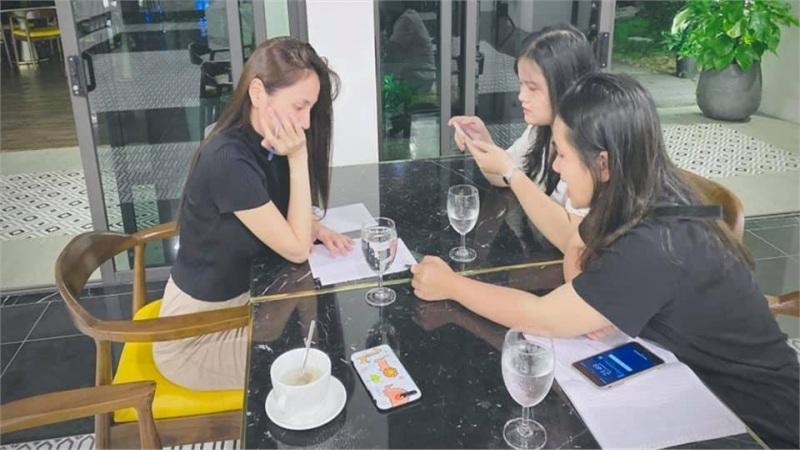 Thủy Tiên ngủ không yên vì 'ôm cục tiền bự', tiết lộ đã tặng thêm cho bà con vài trăm triệu đồng