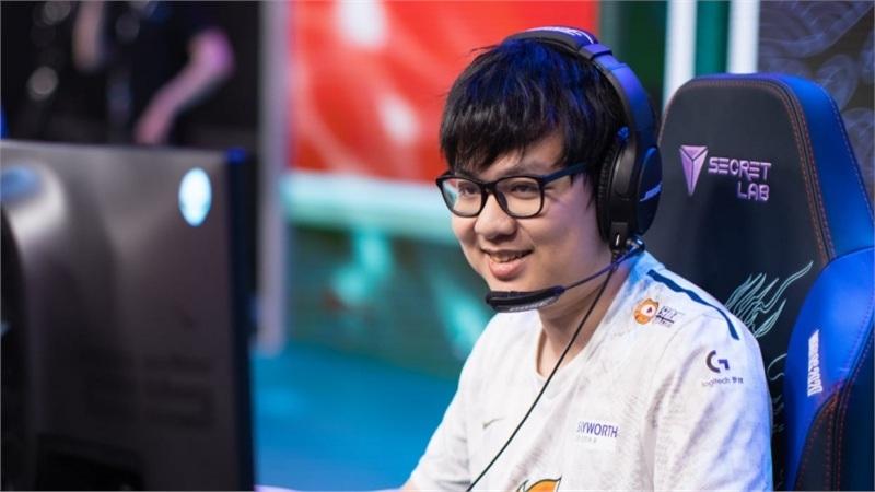 Sốc: SofM chưa chơi Shen trận nào nhưng vẫn đem vào đấu với TOP Esports